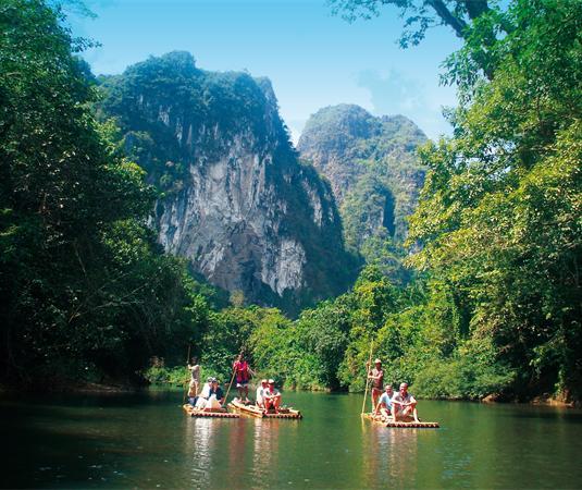 普吉岛丛林山谷竹筏漂流旅游景点风景