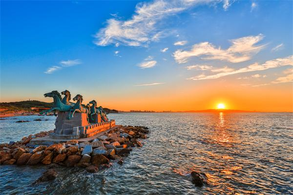 【悠游】 青岛,海阳万米金沙滩,威海,烟台养马岛飞机往返4日游>亲子游