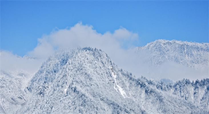 西岭雪山旅游景点风景
